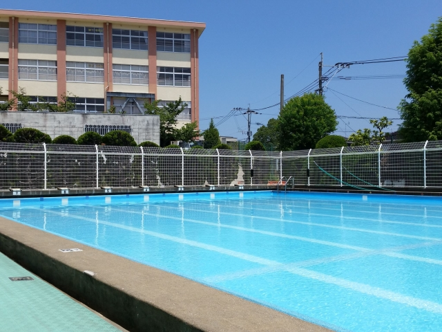 At school in Japan We will teach swimming from elementary school.
