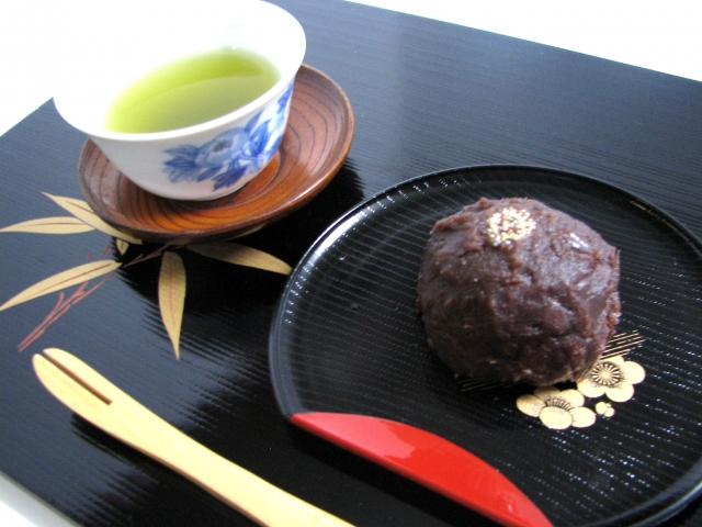 Ohagi: The Best Partner Of Green Tea